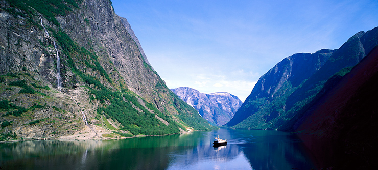http://www.norvica.ru/files/uploaded/naroyfjorden2_norway_740x33.jpg